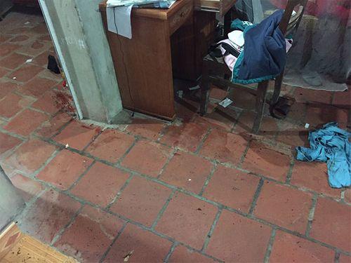 Phú Thọ: Điều tra vụ cha uống rượu cầm dao chém con gái vì không nghe lời - Ảnh 1