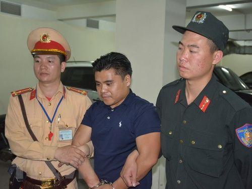 Hé lộ tình tiết vụ bắt 2 đối tượng vận chuyển 100 bánh heroin ở Quảng Ninh - Ảnh 1