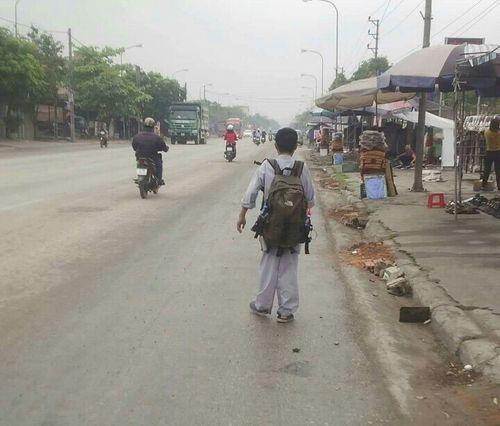 Chàng trai 8X bị khuyết tật vận động, đi bộ xuyên Việt đề cao nghĩa cử hiến mô tạng - Ảnh 1
