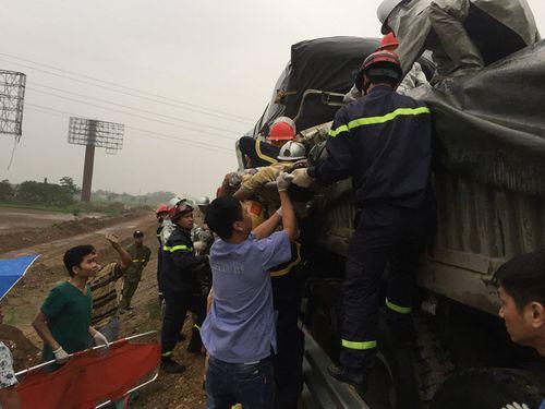 Nguyên nhân tai nạn trên cao tốc Pháp Vân – Cầu Giẽ khiến 3 người thương vong - Ảnh 1