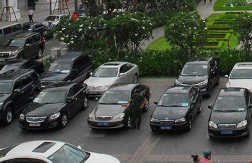 TP.HCM thí điểm khoán xe công từ ngày 1/5 - Ảnh 1