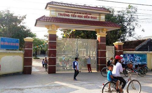 Vụ gần 200 học sinh bị cấm tới trường: Trưởng phòng GD&ĐT lên tiếng - Ảnh 1