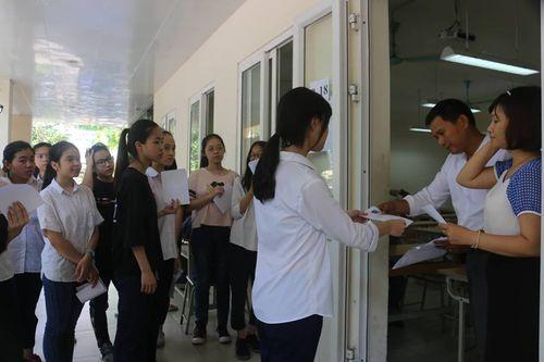 Hà Nội: 95 nghìn thí sinh bắt đầu thi vào lớp 10 - Ảnh 11