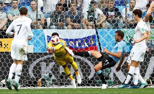 Ảnh: Thắng kịch tính Uruguay, Pháp vào tứ kết World Cup 2018 - Ảnh 2
