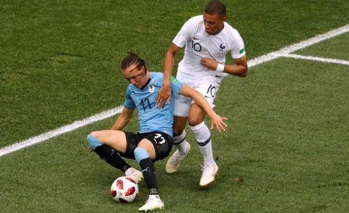 Ảnh: Thắng kịch tính Uruguay, Pháp vào tứ kết World Cup 2018 - Ảnh 4