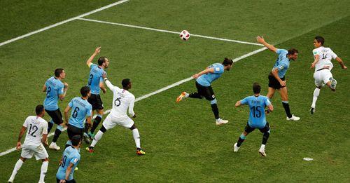 Ảnh: Thắng kịch tính Uruguay, Pháp vào tứ kết World Cup 2018 - Ảnh 7