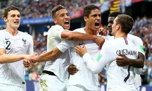Ảnh: Thắng kịch tính Uruguay, Pháp vào tứ kết World Cup 2018 - Ảnh 8