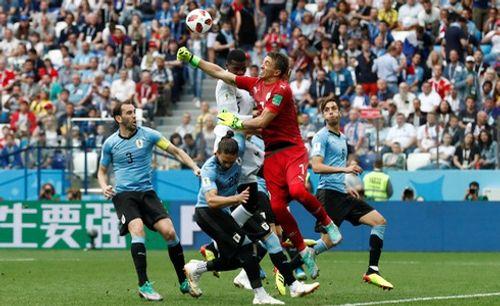 Ảnh: Thắng kịch tính Uruguay, Pháp vào tứ kết World Cup 2018 - Ảnh 10