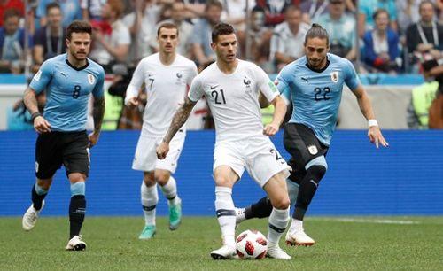 Ảnh: Thắng kịch tính Uruguay, Pháp vào tứ kết World Cup 2018 - Ảnh 1