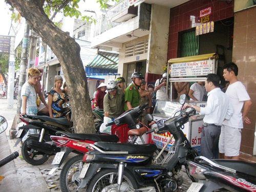 Lời khai của hung thủ tạt a xít 5 cô gái rúng động Sài Gòn - Ảnh 2