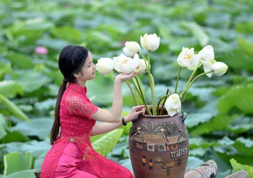 """Ngất ngây vẻ đẹp """"nghiêng nước nghiêng thành"""" nữ sinh xứ Tuyên - Ảnh 14"""