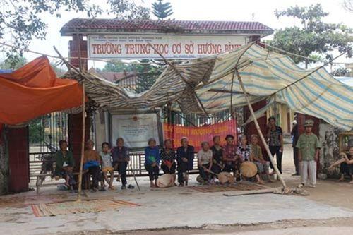 Nỗ lực đưa gần 600 học sinh Hà Tĩnh trở lại trường - Ảnh 1