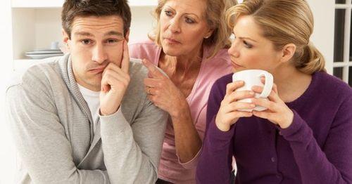 Nhớ vợ đến phát cuồng vì mẹ vợ không cho ngủ cùng - Ảnh 1