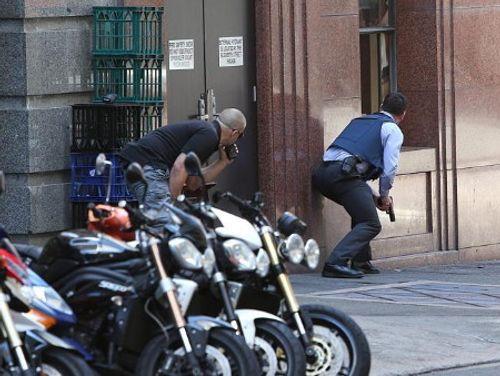 Hiện trường vụ bắt cóc con tin náo loạn khu phố tại Sydney - Ảnh 2