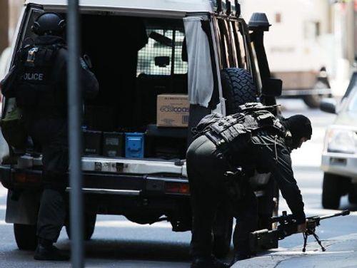 Hiện trường vụ bắt cóc con tin náo loạn khu phố tại Sydney - Ảnh 3