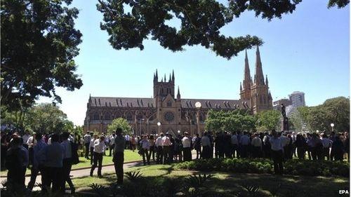 Hiện trường vụ bắt cóc con tin náo loạn khu phố tại Sydney - Ảnh 8