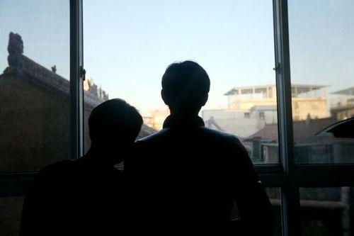 Khám phá cuộc sống bí mật của cặp đôi đồng tính ở Trung Quốc - Ảnh 4
