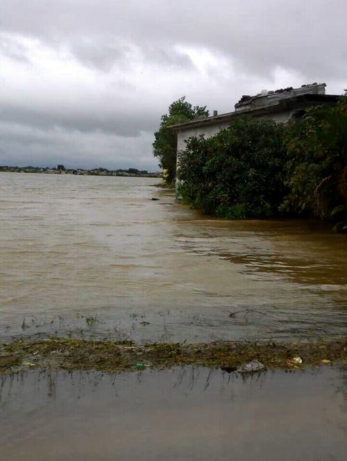 Huế: Mưa lớn nước ngập đồng, 2 học sinh chết đuối - Ảnh 1