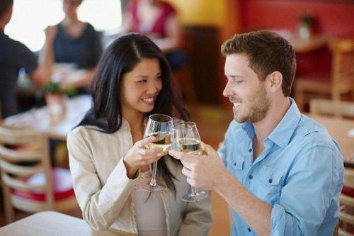 5 lý do đàn ông muốn lấy vợ hơn tuổi - Ảnh 1