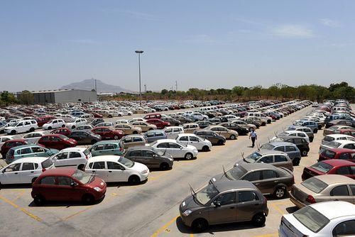 Giảm thuế nhập khẩu nhiều loại ô tô từ 1/1/2015 - Ảnh 1