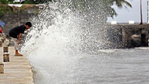 Chùm ảnh bão Hagupit đổ bộ vào Philippines - Ảnh 8