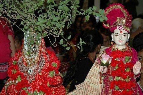 10 phong tục cưới hỏi kỳ lạ trên thế giới - Ảnh 7