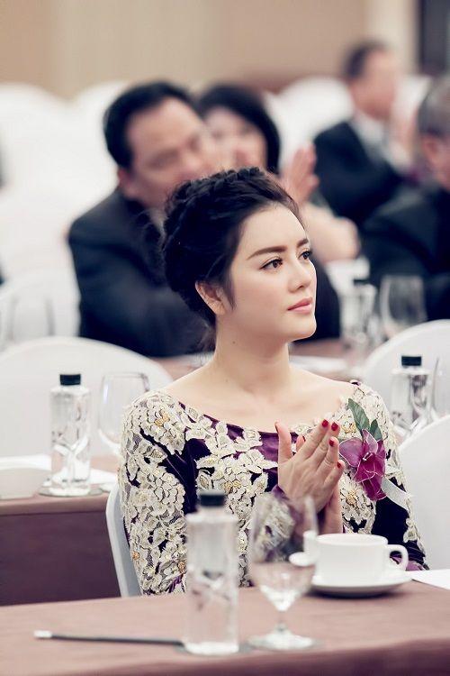 Lý Nhã Kỳ nhận chức Phó chủ tịch hội Nghệ nhân và thương hiệu Việt - Ảnh 1