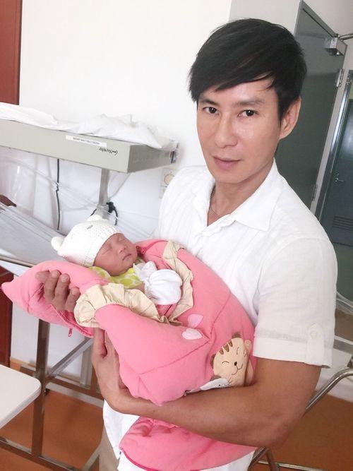 Lý Hải làm cha lần 3 ở tuổi 46 - Ảnh 3