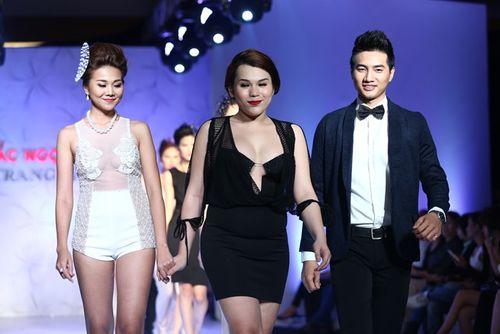Thanh Hằng đeo trang sức 1,4 tỷ diễn thời trang - Ảnh 8