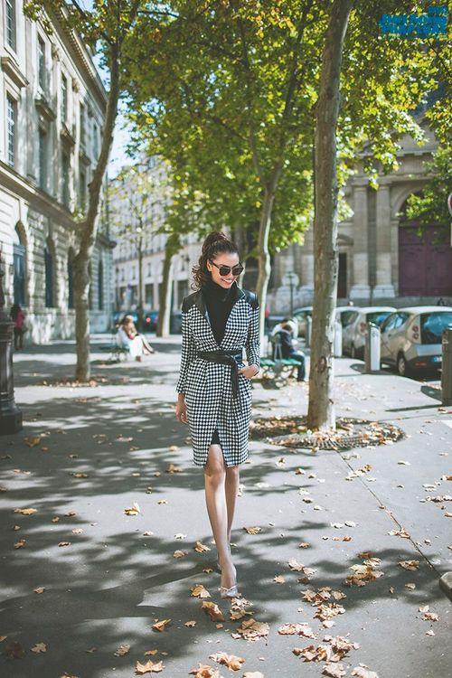 Hồng Quế diện măng tô giản dị dạo chơi Paris - Ảnh 6