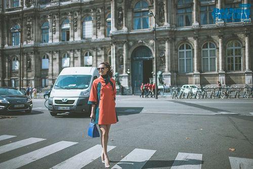 Hồng Quế diện măng tô giản dị dạo chơi Paris - Ảnh 4
