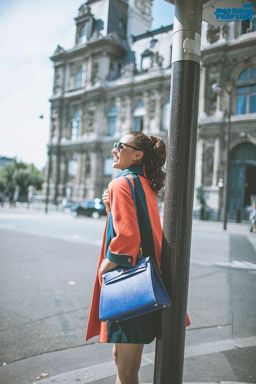 Hồng Quế diện măng tô giản dị dạo chơi Paris - Ảnh 5