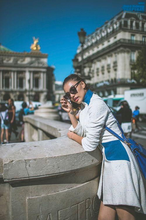 Hồng Quế diện măng tô giản dị dạo chơi Paris - Ảnh 2