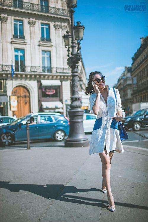 Hồng Quế diện măng tô giản dị dạo chơi Paris - Ảnh 3