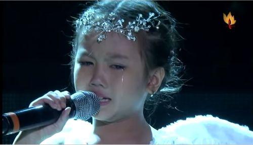 """Clip: Rớt nước mắt khi nghe bé Bảo An hát """"Đừng bỏ con mẹ ơi"""" - Ảnh 1"""