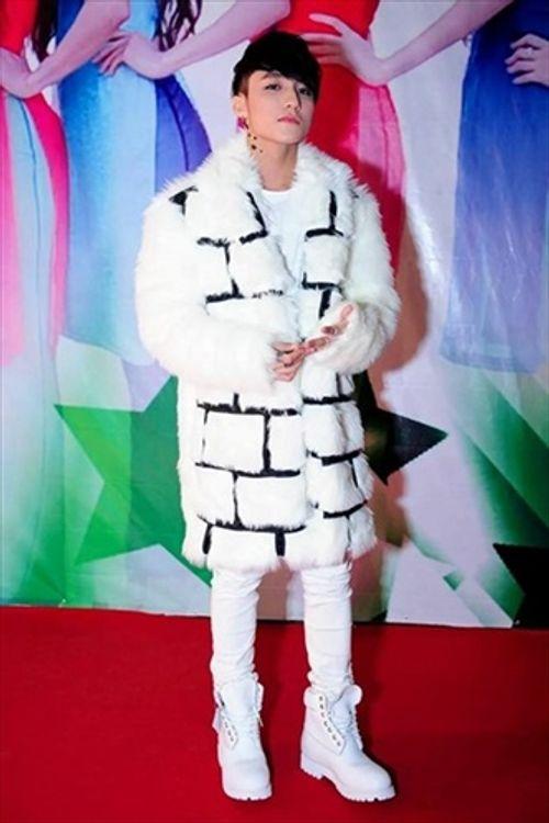 Phong cách thời trang khác biệt của Sơn Tùng M-TP - Ảnh 5