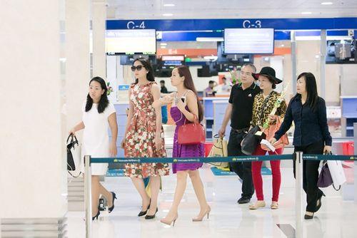 Hoa hậu Kỳ Duyên trở về quê Nam Định sau đăng quang - Ảnh 2