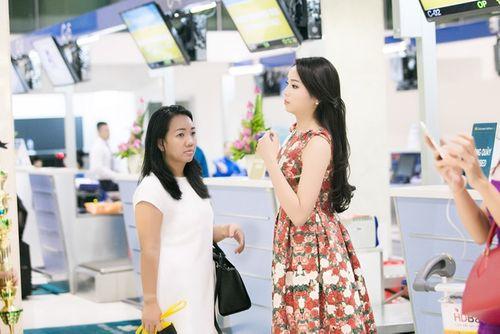 Hoa hậu Kỳ Duyên trở về quê Nam Định sau đăng quang - Ảnh 3