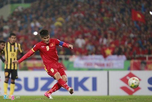 Việt Nam 2-4 Malaysia: Gục ngã trước ngưỡng cửa thiên đường - Ảnh 2