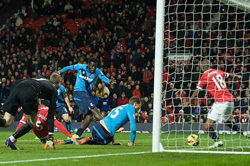 Thủ thành De Gea nhận điểm cao nhất trận M.U hạ Stoke - Ảnh 2