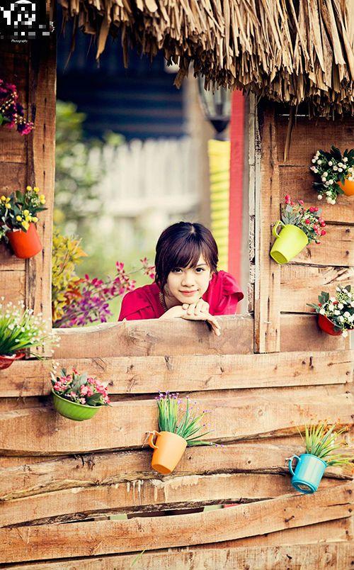 """Nhan sắc hot girl Kiến Trúc vừa đệm đàn vừa hát """"Để mãi có nhau"""" - Ảnh 3"""