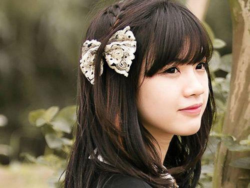 """Nhan sắc hot girl Kiến Trúc vừa đệm đàn vừa hát """"Để mãi có nhau"""" - Ảnh 7"""