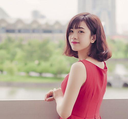 """Nhan sắc hot girl Kiến Trúc vừa đệm đàn vừa hát """"Để mãi có nhau"""" - Ảnh 8"""