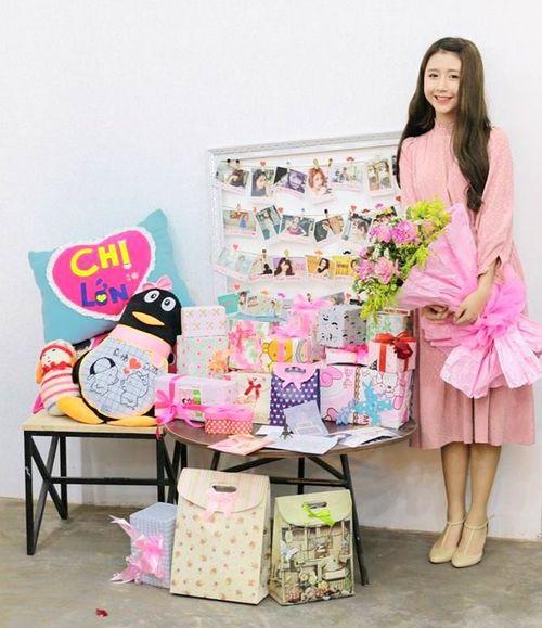 Hot girl Quỳnh Anh Shyn xúc động trong ngày sinh nhật - Ảnh 1