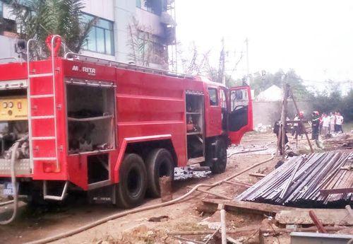 Cháy lớn tại ĐH Công nghệ Đồng Nai: Phòng thực hành bị thiêu rụi - Ảnh 1