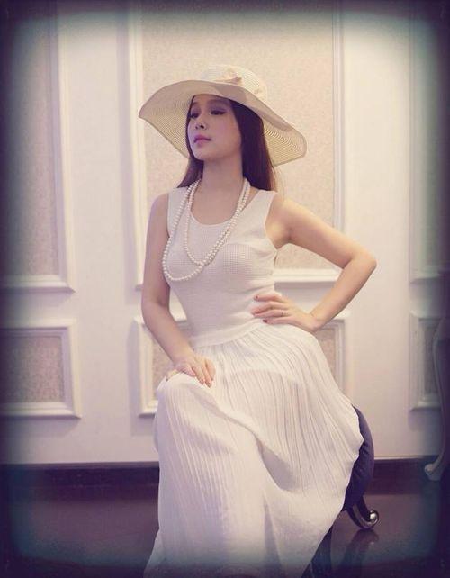"""Cựu hot girl Huyền Baby tung ảnh xinh như """"thiên thần""""  - Ảnh 4"""