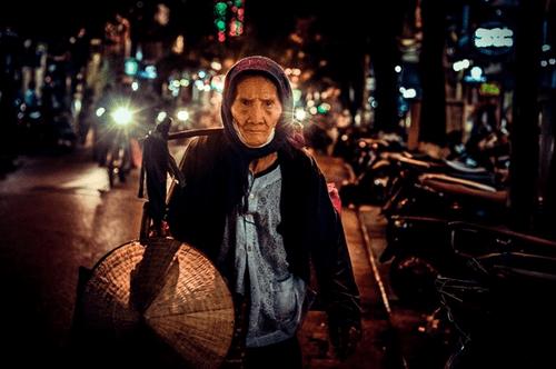 Xúc động những hình ảnh chân thực nhất về Hà Nội - Ảnh 4
