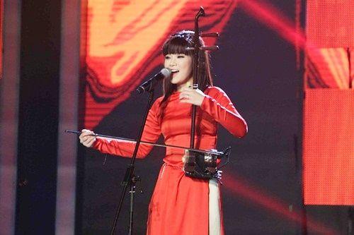 Hot girl Hoàng Yến Chibi đẹp tinh khôi trong tà áo dài - Ảnh 2