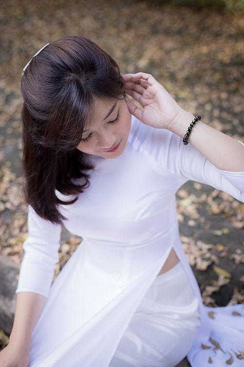 Hot girl Hoàng Yến Chibi đẹp tinh khôi trong tà áo dài - Ảnh 9