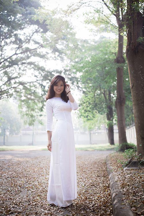 Hot girl Hoàng Yến Chibi đẹp tinh khôi trong tà áo dài - Ảnh 11